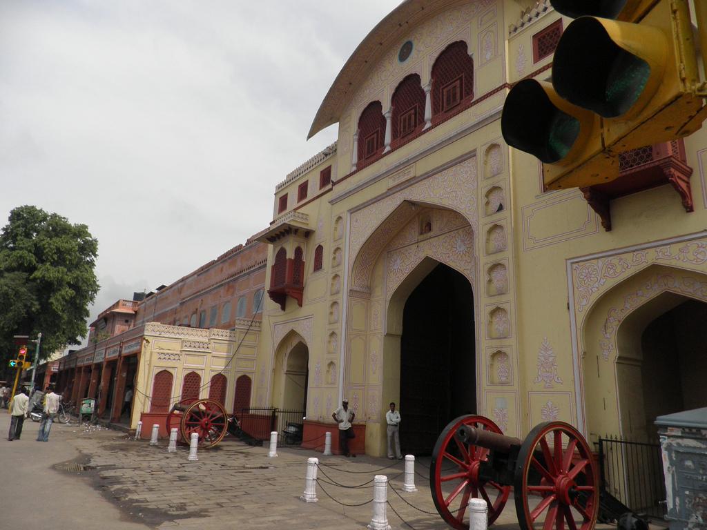 Tripolia Gate