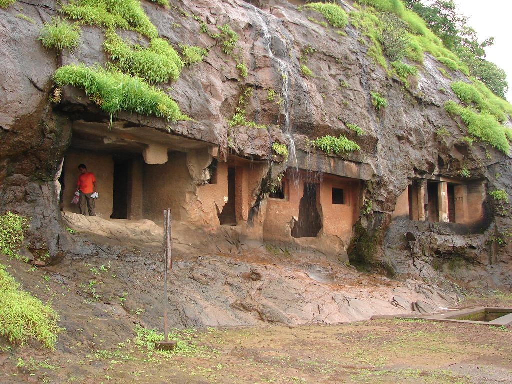 Gandharpale Caves