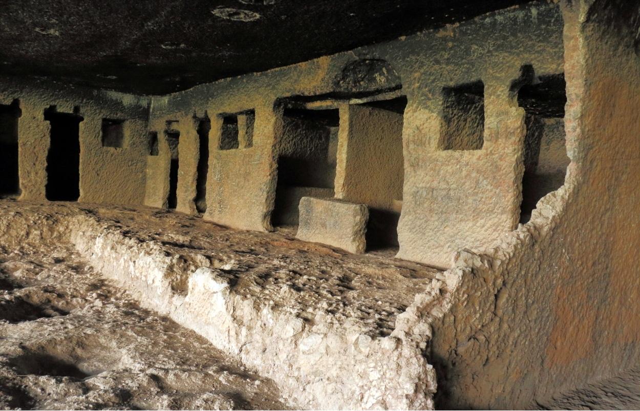 Nenavali Caves