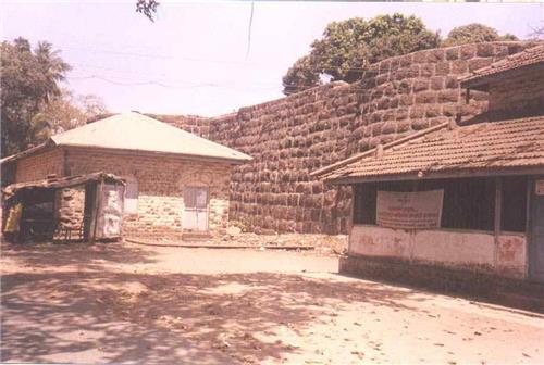 Hirakot Fort, Maharashtra